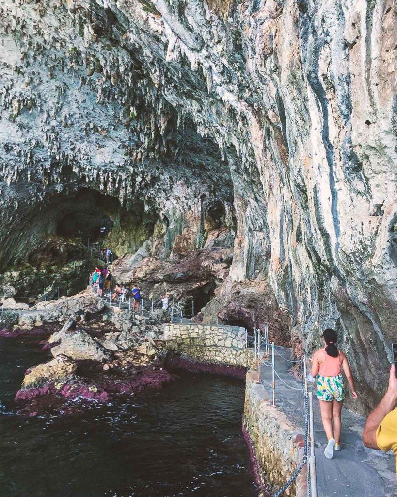 Grotta di Zinzulusa con i bambini