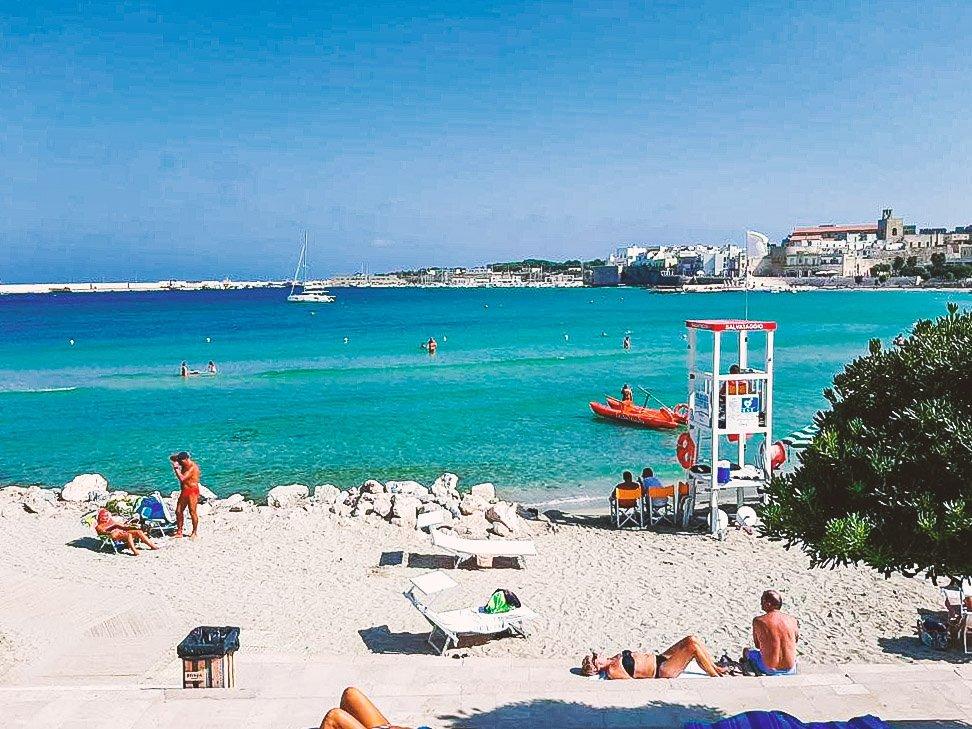 Spiaggia degli Alimini ad Otranto con i bambini